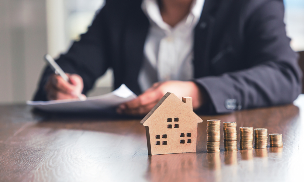 How to Become a Mortgage Broker in 6 Steps